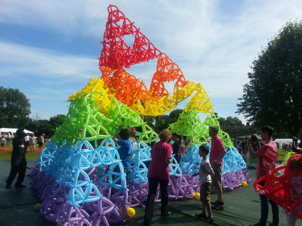 2013's failed attempt to build a massive tetrahedron